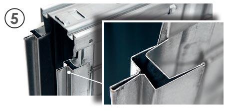 Perfiles verticales reforzados de casoneto