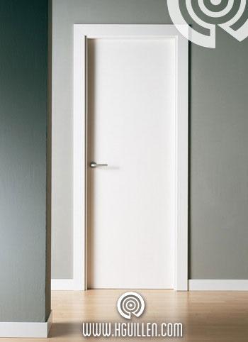 Puerta Lisa Lacada